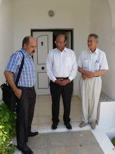 عامر بوعزة مع المنصف المرزوقي والطاهر هميلة بمناسبة حلقة من المقهى السياسي يوم 19 جوان 2011